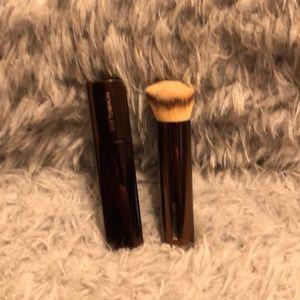 Hourglass vanish stick foundation in Shell & brush